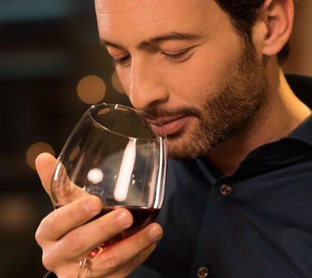 offrir une bouteille de vin comment la choisir dans une vente vin. Black Bedroom Furniture Sets. Home Design Ideas